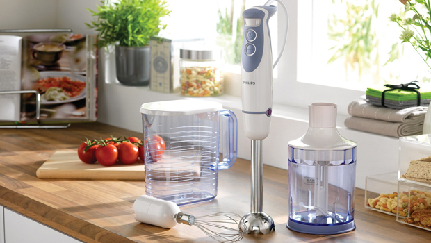 how to use hand blender without splashing, how to use a hand blender for chopping, how to use a hand blender for soup, how to use a hand blender for cake, many uses of a hand blender, hand mixer splatter guard, what is a hand blender used for, can you whisk with a hand blender,