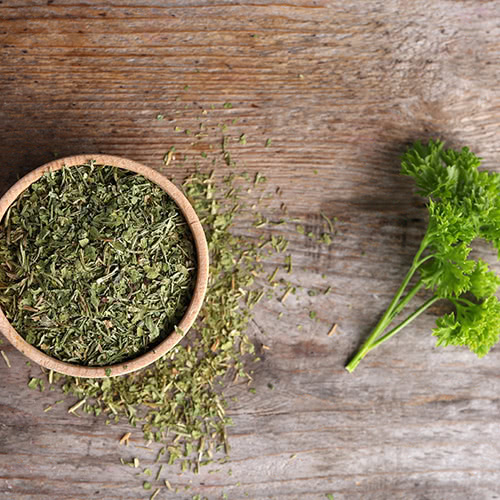 how to grind herbs into powder, herb grinder, how to grind herbs without a mortar and pestle, grinding fresh herbs, herbal root grinder, spice grinder, how to grind spices, how to grind roots into powder,