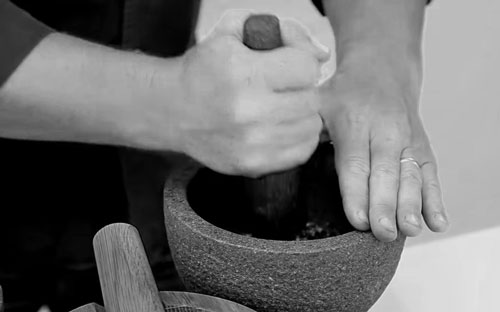 Jamie Oliver Mortar and Pestle Review